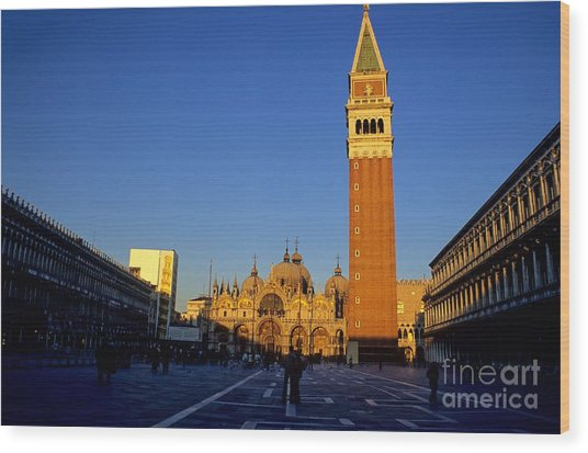St Marks In Venice In Afternoon Sun Wood Print by Michael Henderson