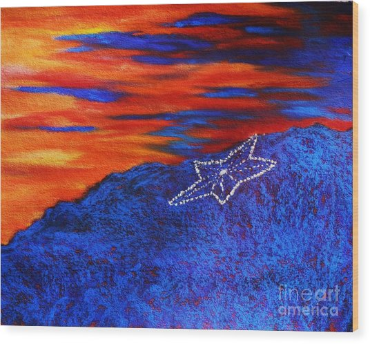 Star On The Mountain Wood Print
