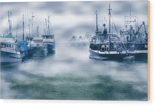 Steveston In Morning Fog Wood Print