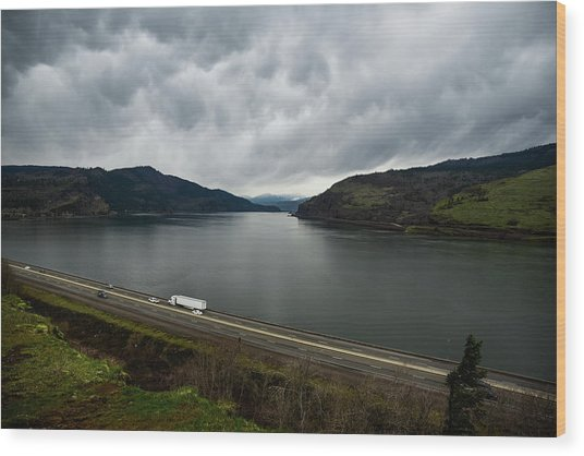 Storm Brewing On The Columbia Wood Print
