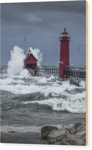 Storm On Lake Michigan By The Grand Haven Lighthouse With Flying Gulls Wood Print