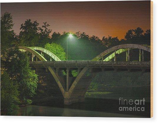 Street Light On Rogue River Bridge Wood Print
