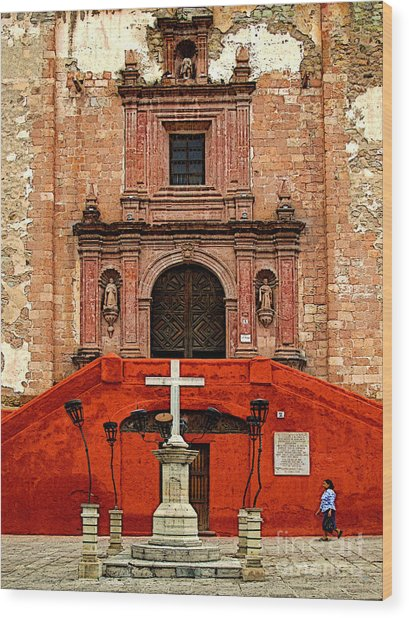 Strolling The Cathedral Plaza Wood Print by Mexicolors Art Photography