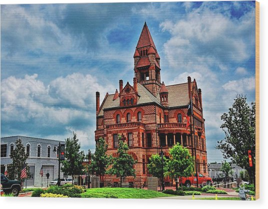 Sulphur Springs Courthouse Wood Print