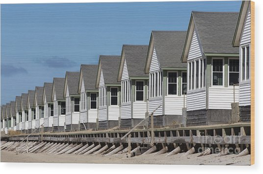 Summer Vacation Cottages At The Beach Wood Print