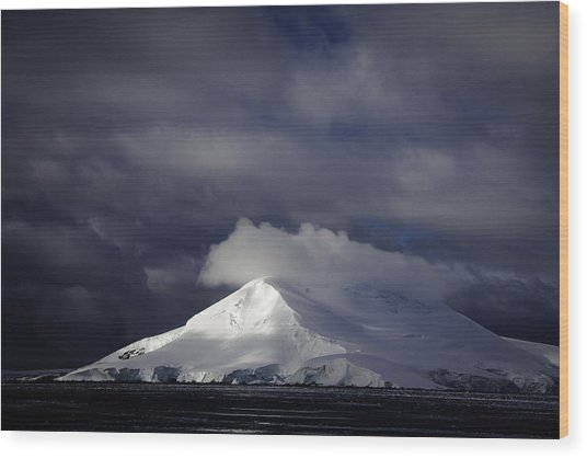 Sun Breakthru- Antarctica Wood Print