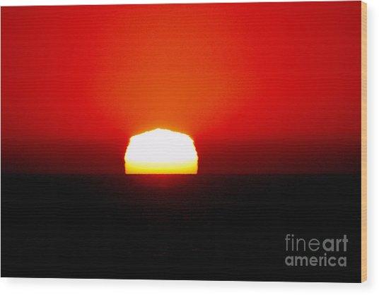 Sun Dipping Wood Print