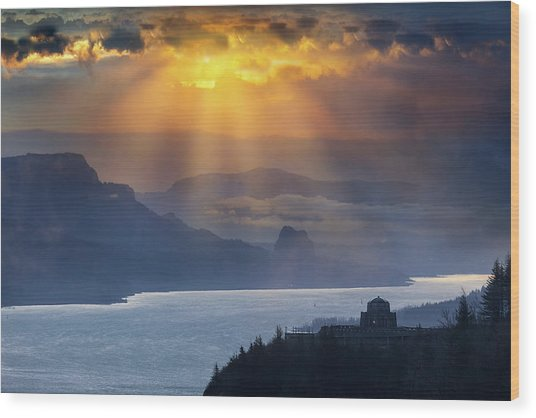 Sun Rays Over Columbia River Gorge During Sunrise Wood Print