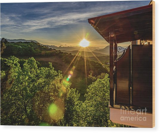 Sunburst View From Dellas Boutique Hotel Near Meteora In Kastraki, Kalambaka, Greece Wood Print