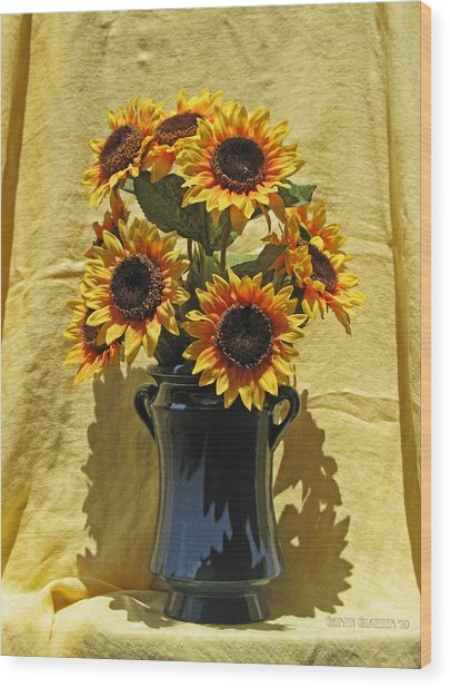 Sunflower Vase Wood Print by Garth Glazier