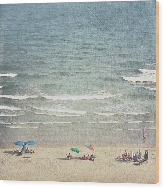 Sunny Day At North Myrtle Beach Wood Print