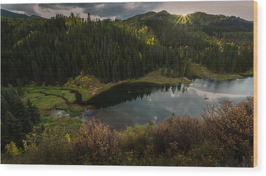 Sunrays Over The Lake Wood Print