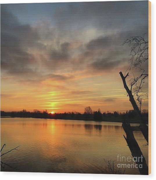 Sunrise At Jacobson Lake Wood Print