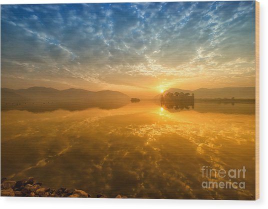 Sunrise At Jal Mahal Wood Print