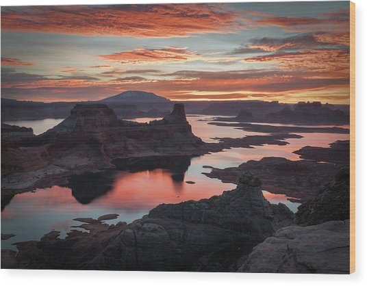 Sunrise At Lake Powell Wood Print