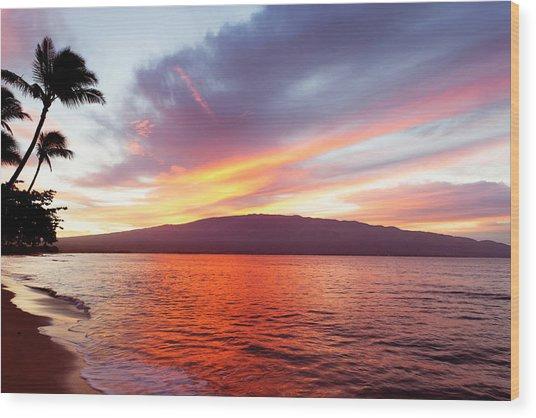 Sunrise At Ma'alaea Maui Wood Print