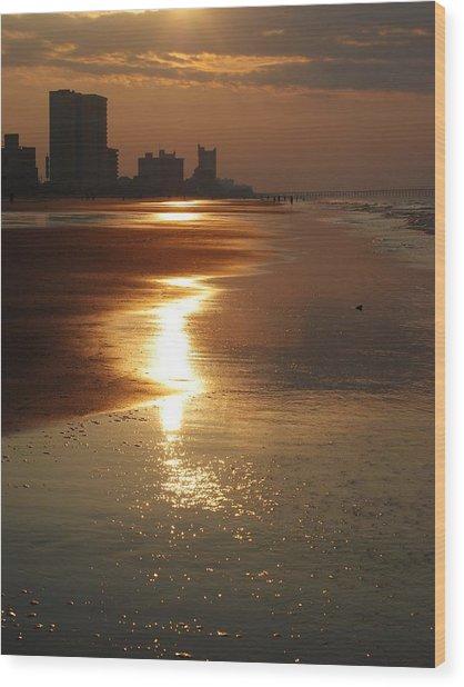Sunrise At The Beach Wood Print
