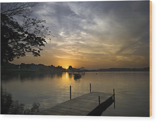 Sunrise At The Reservoir Wood Print
