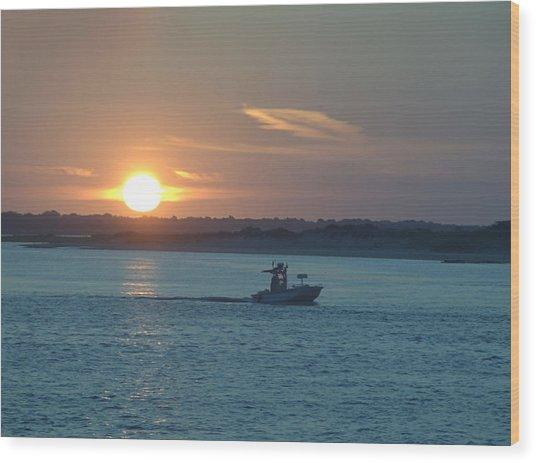 Sunrise Bassing Wood Print