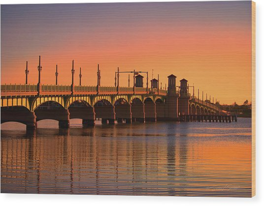Sunrise Bridge Of Lions Wood Print