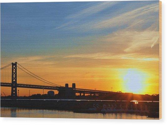 Sunrise On Ben Franklin Bridge Wood Print by Andrew Dinh