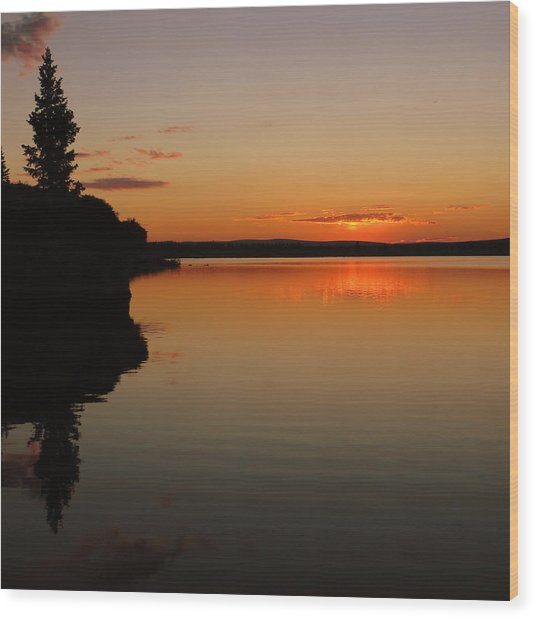 Sunrise On Heart Lake Wood Print