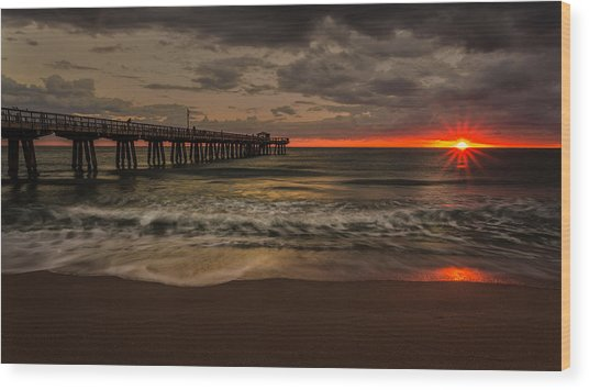 Sunrise On The Beach Wood Print