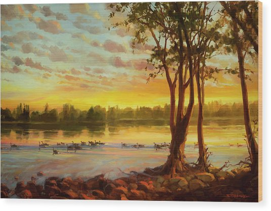 Sunrise On The Columbia Wood Print