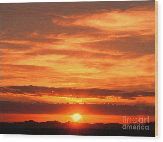 Sunrise Over Jeddah Wood Print by Graham Taylor