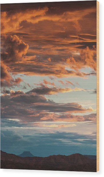 Sunset And Cerro Pedernal Wood Print