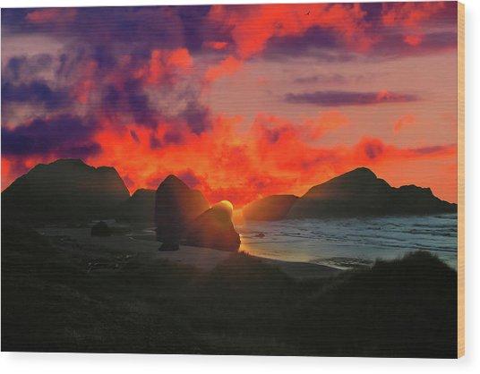 Sunset At Oregon Beach Wood Print