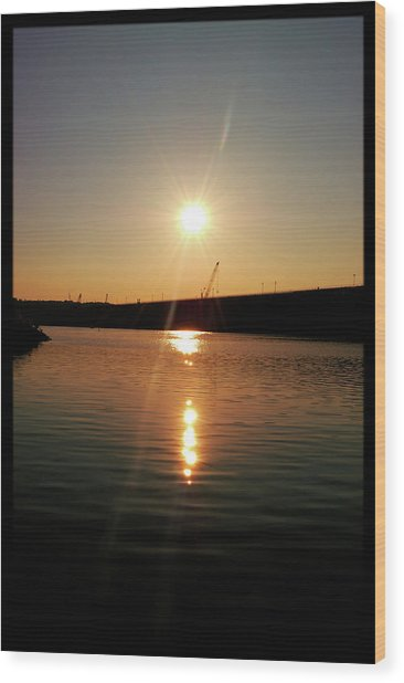 Sunset At Wolf Creek Dam Wood Print
