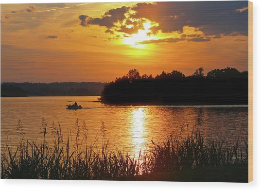Sunset Boater, Smith Mountain Lake Wood Print