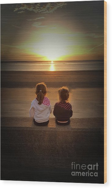 Sunset Sisters Wood Print