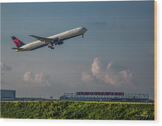 Sunset Glow Delta Airlines Jet N839mh Hartsfield Jackson International Airport Art Wood Print