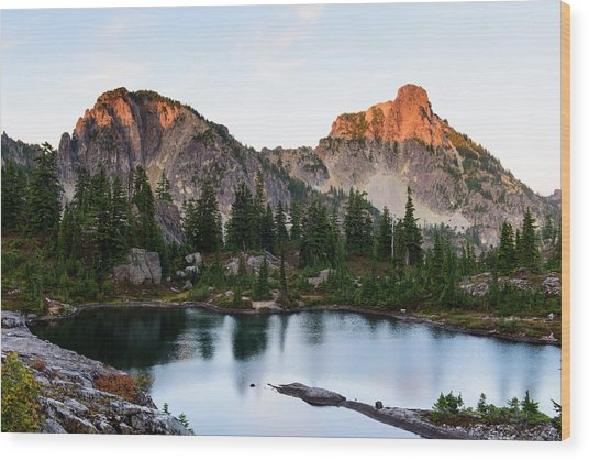 Sunset In Lila Lakes And High Box Mountain Wood Print