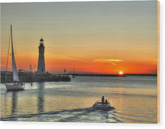 Sunset On Lake Erie Wood Print