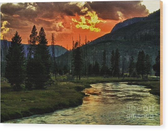 Sunset Over Madison River Wood Print