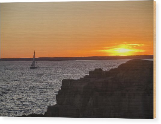 Sunset Sailing In Maine Wood Print