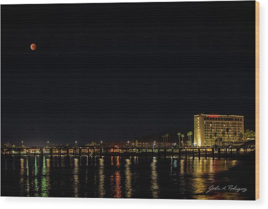 Super Blue Blood Moon Over Ventura, California Pier  Wood Print