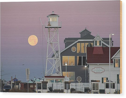 Super Wolf Moon At The Watch Tower Wood Print
