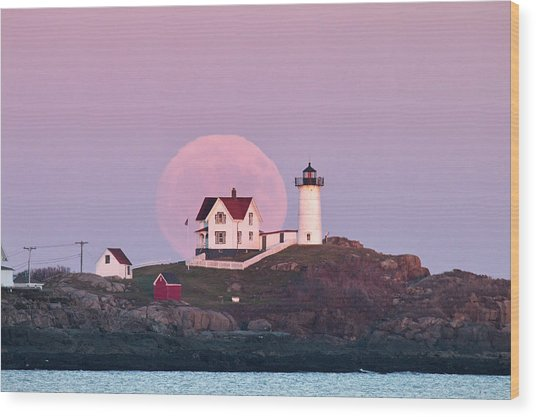 Supermoon Over Nubble Lighthouse Wood Print