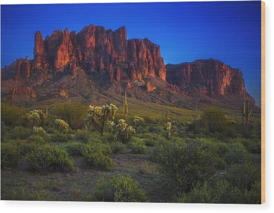 Superstition Mountain Sunset Wood Print