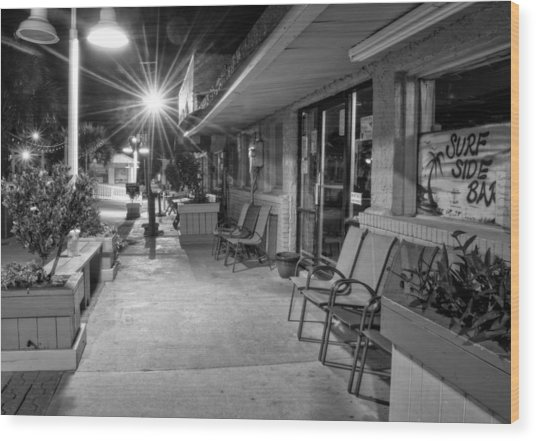 Surf Side Bar At Night In Black And White Wood Print