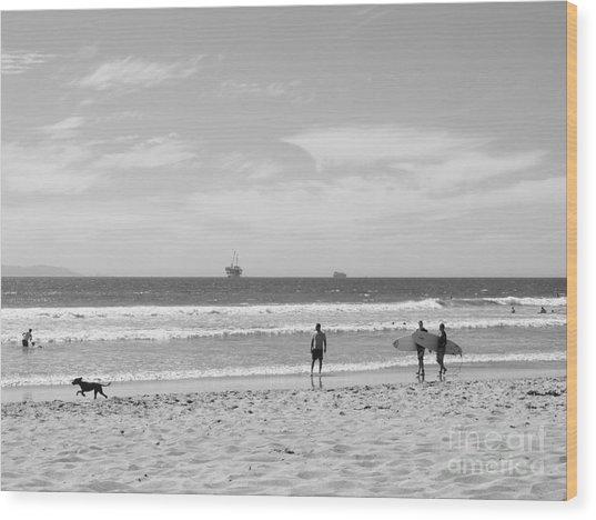 Strollin On Dog Beach Wood Print
