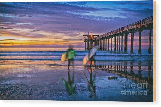 Surfers At Scripps Pier In La Jolla California Wood Print