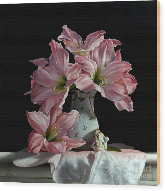 Sweet Star Amaryllis Wood Print