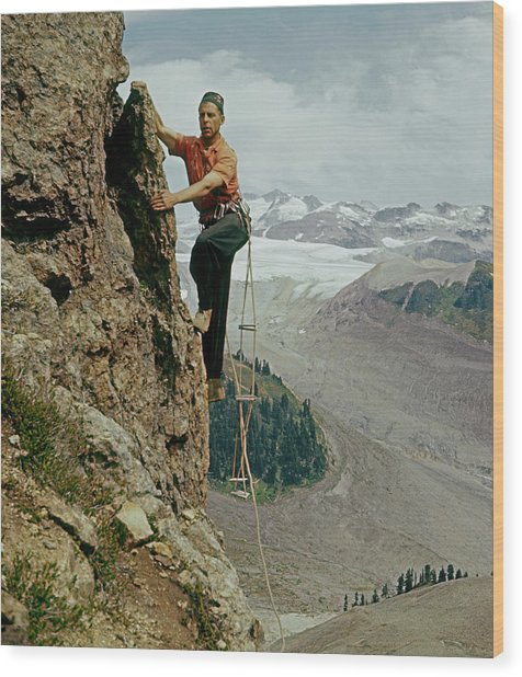 T-902901 Fred Beckey Climbing Wood Print