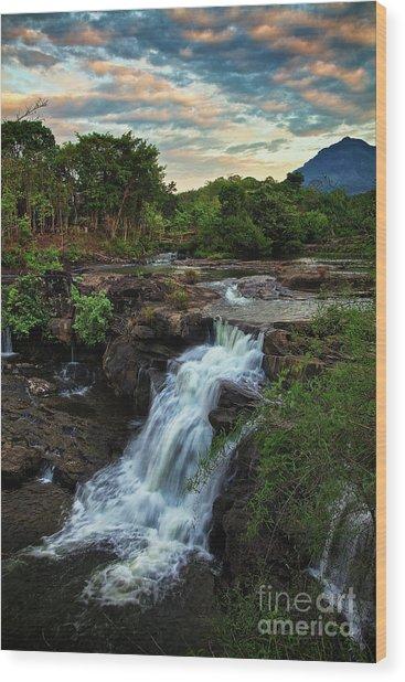 Tad Lo Waterfall, Bolaven Plateau, Champasak Province, Laos Wood Print