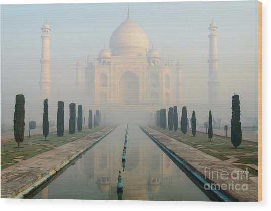 Taj Mahal At Sunrise 02 Wood Print